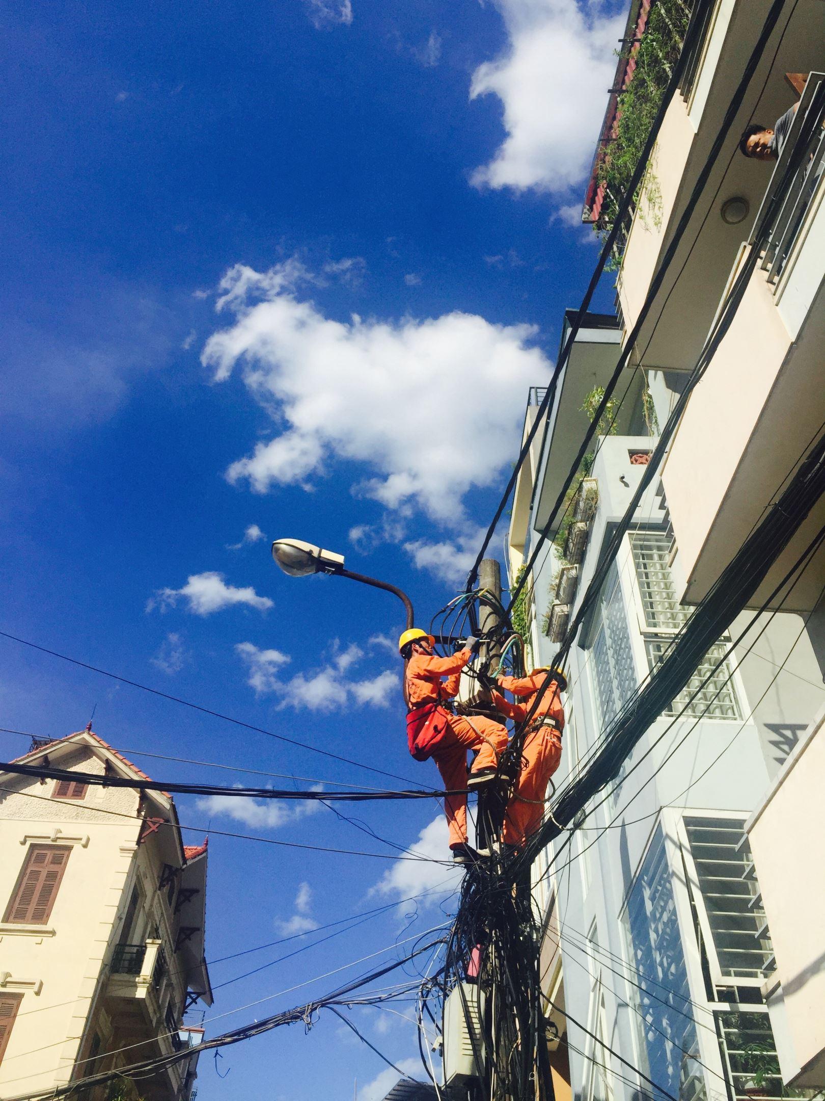 TCBC: Tiêu thụ điện liên tục lập đỉnh mới, EVN khuyến cáo khách hàng sử dụng điện an toàn, tiết kiệm