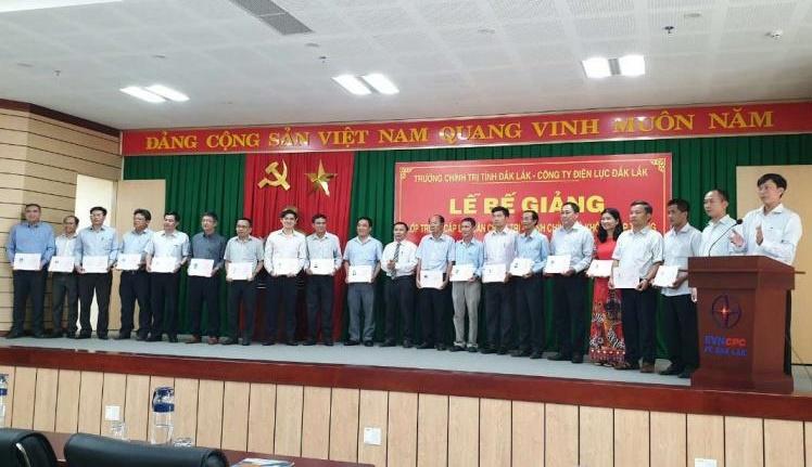 PC Đắk Lắk: Giải pháp nâng cao chất lượng phát triển nguồn nhân lực  và năng suất lao động
