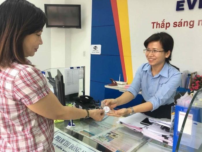 PC Quảng Nam đẩy mạnh thanh toán tiền điện không dùng tiền mặt