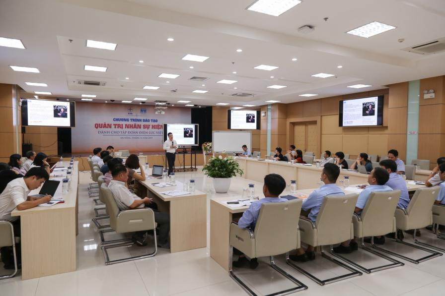 EVN tổ chức chương trình đào tạo Quản trị nhân sự hiện đại