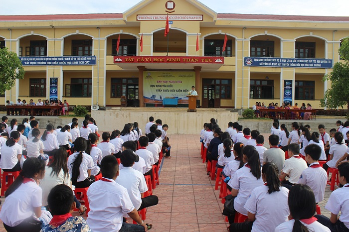 PC Quảng Bình:  Chú trọng công tác tuyên truyền tiết kiệm điện trong trường học