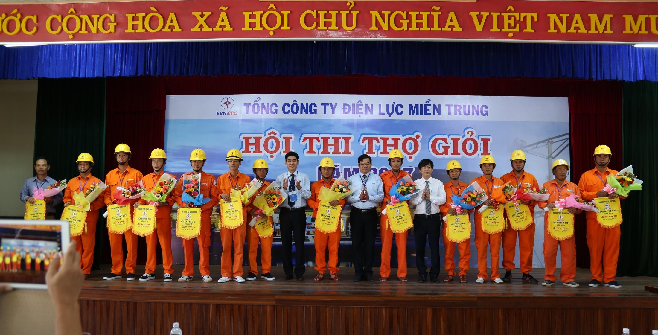 EVNCPC: Khai mạc Hội thi thợ giỏi năm 2017