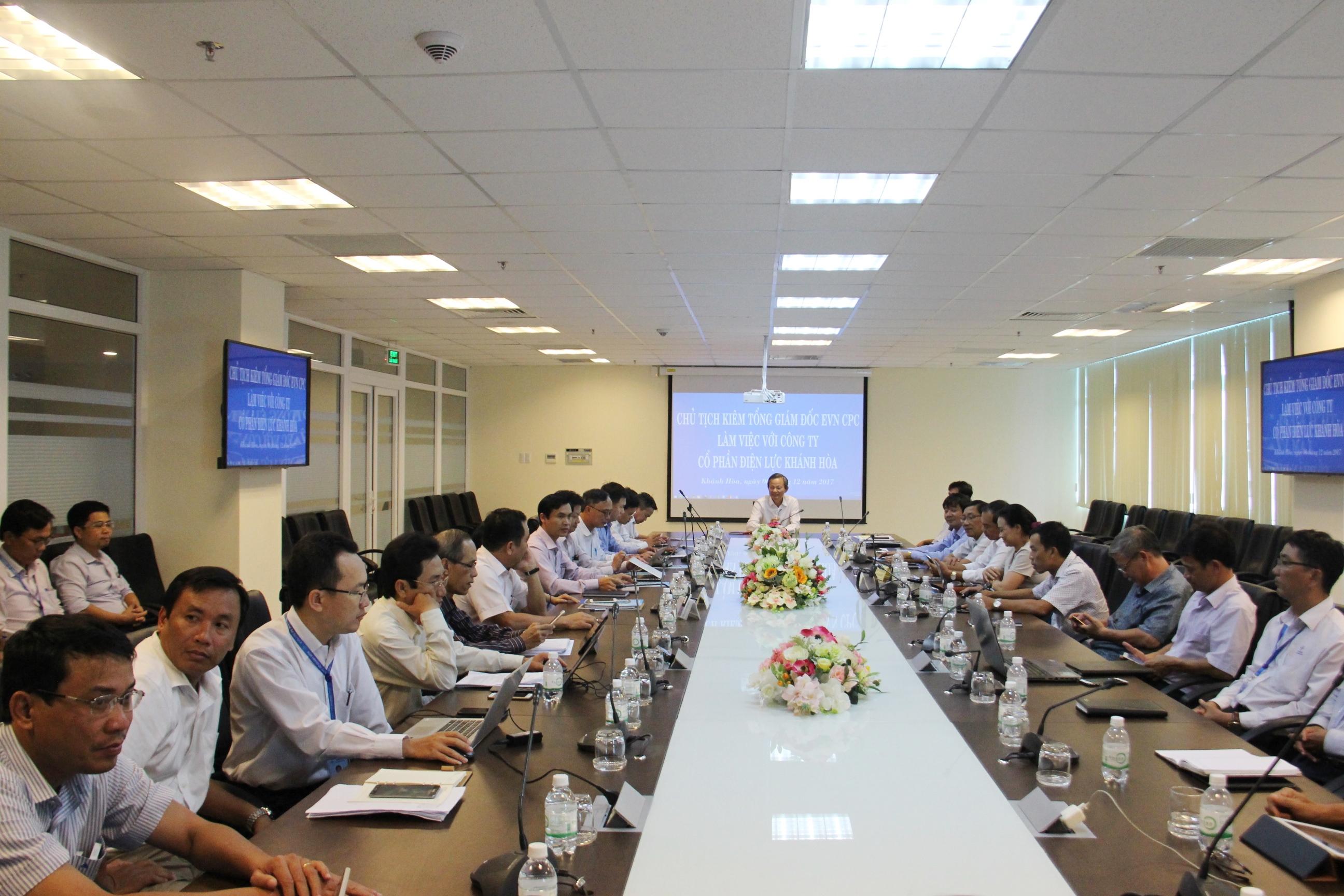Chủ tịch kiêm Tổng giám đốc EVNCPC đến thăm và làm việc tại PC Khánh Hòa