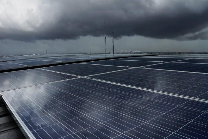 Điện năng lượng mặt trời vào mùa đông có sử dụng được không?