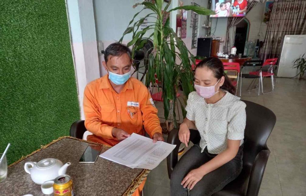 PC Kon Tum kiểm tra việc thu tiền điện, đảm bảo quyền lợi của người thuê trọ