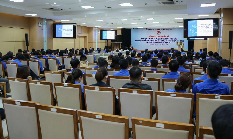 Thành Đoàn Đà Nẵng tổ chức buổi nói chuyện chuyên đề về tình hình ASEAN và năng lực ngoại ngữ của đoàn viên thanh niên