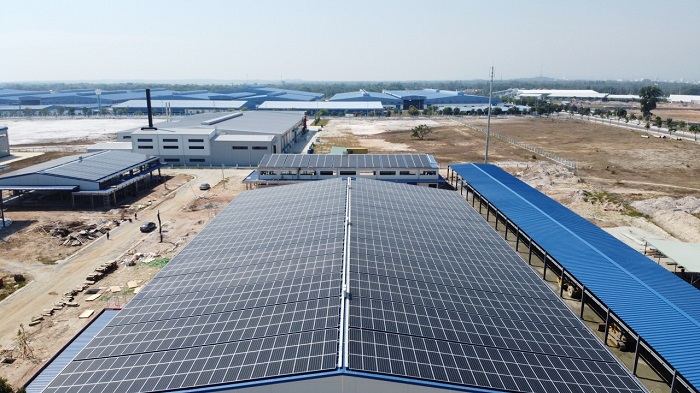 Bảo vệ tấm pin năng lượng mặt trời dưới sự tác động của thời tiết