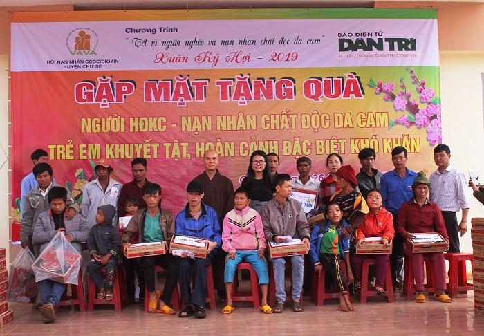 """Đoàn cơ sở PC Gia Lai: Đồng hành cùng sự kiện """"Tết vì người nghèo và nạn nhân chất độc da cam"""""""